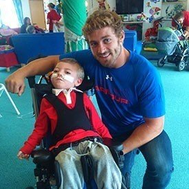 2015-07-24-12-19-31-leigh-halfpenny-visits-t-hafan-for-a-fun-filled-afternoon-3848-1-image1.jpg